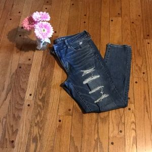 NWOT American Eagle high rise ripped jeggings - 14